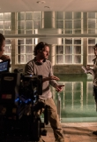 bts_102_-_harlow_swimming_pool_-_angel_bonanni_as_tommy_gibbs_stana_katic_as_emily_byrne_and_richard_brake_as_conrad_harlow_with_director_oded_ruskin.jpg