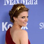 Stana Katic acude a los Women in Film Crystal + Lucy Awards