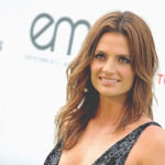 Stana Katic asiste a los Environmental Media Awards 2015